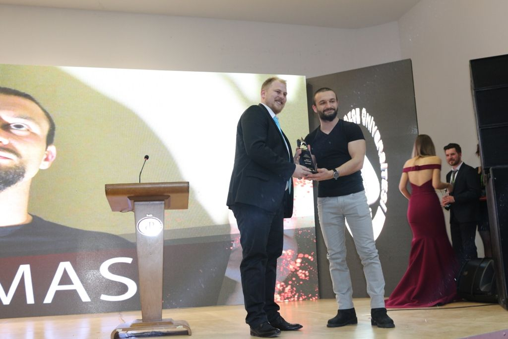 Ajans Başkanımız Görkem Özdemir En İyi Fenomen Ödülünü Takdim Etti